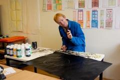 Michael med sin stora svarta målning.